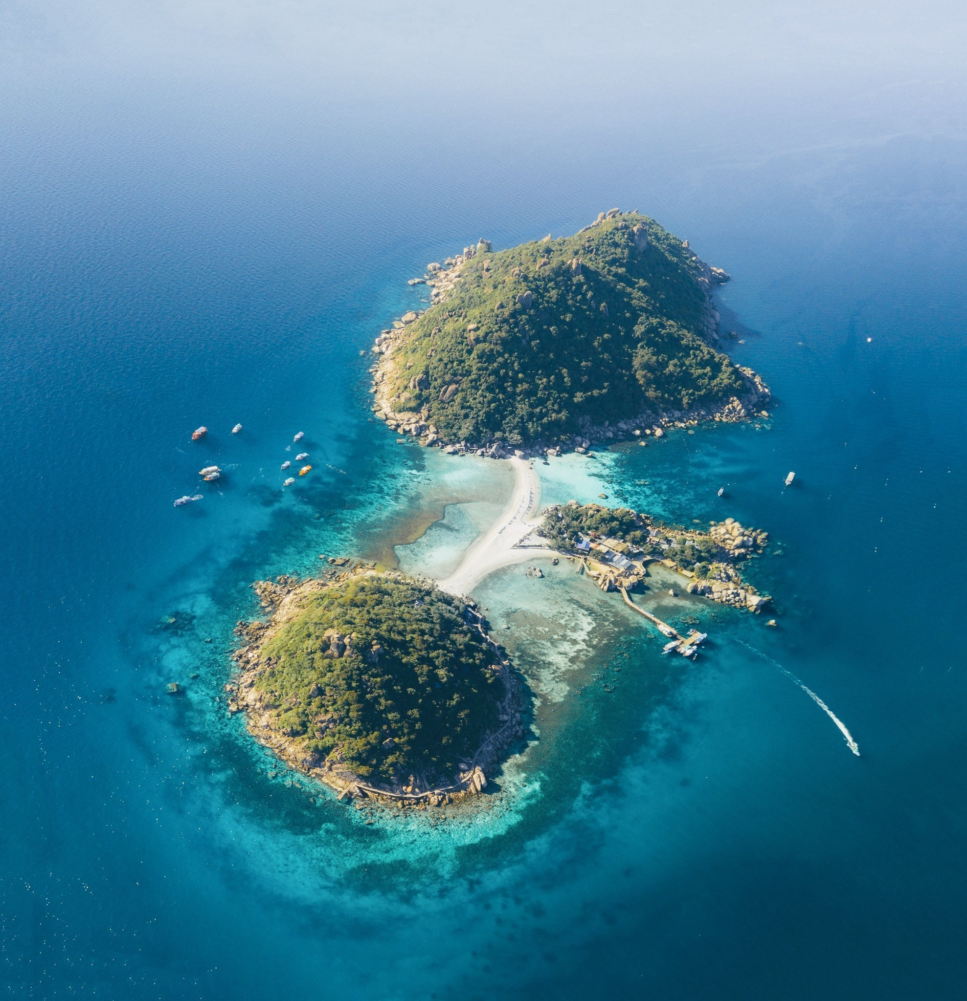 One of the best things to do on Koh Tao is to see Koh Nang Yuan from a drone