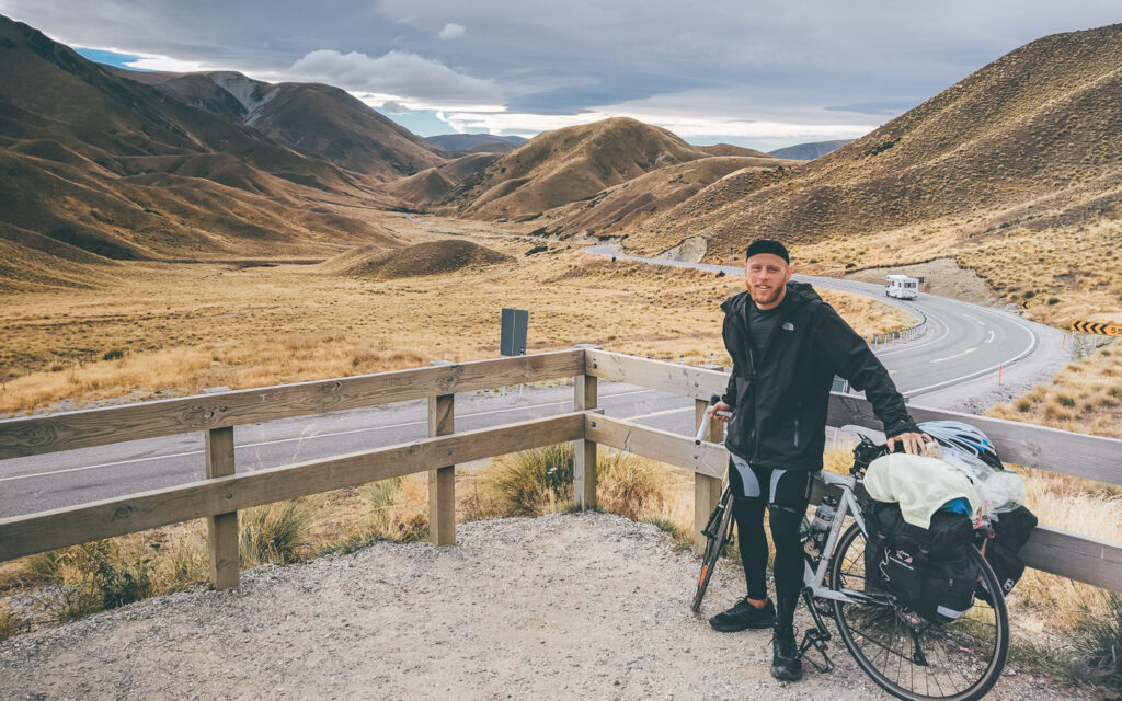 SOLO CYCLING IN NEW ZEALAND