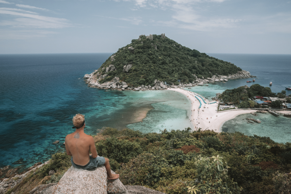 Koh Nang Yuan Viewpoint is one of the best things to do on koh tao
