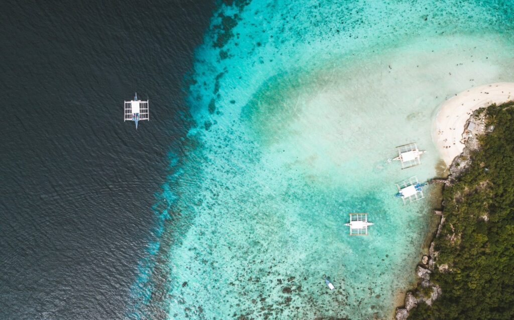 sumilon island boats