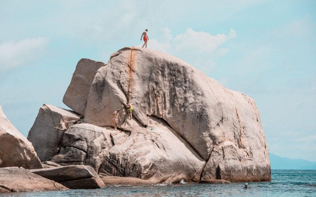 TANOTE BAY CLIFF JUMPING KOH TAO