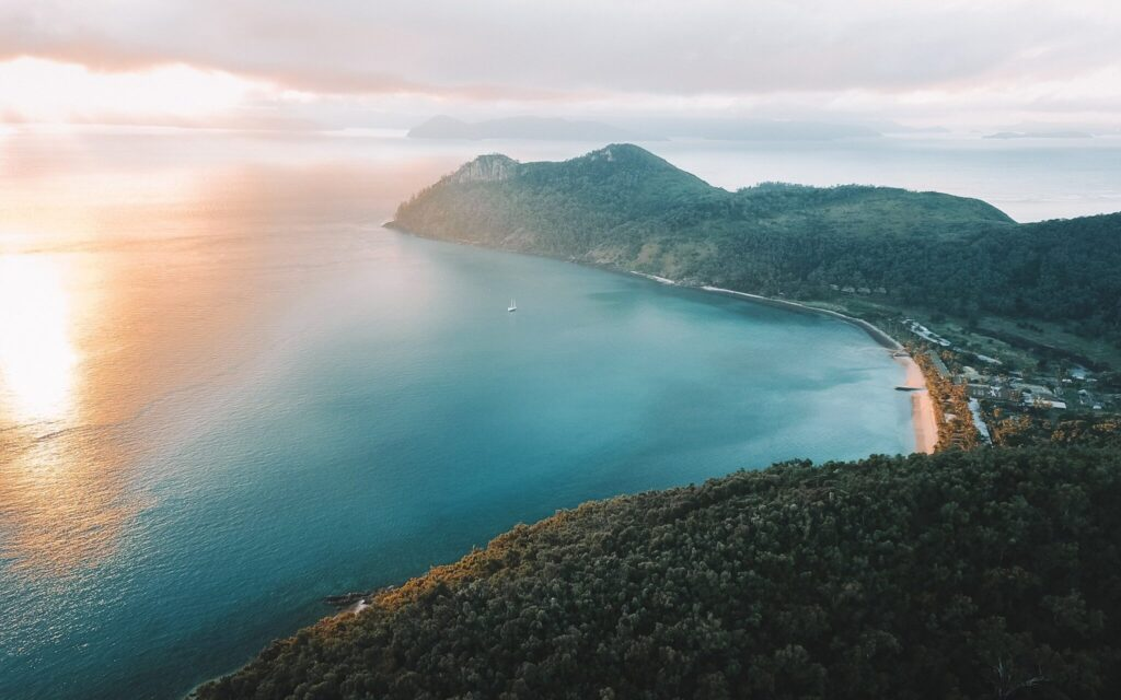 South Molle Island sunrise views lookout hiking guide in the whitsundays