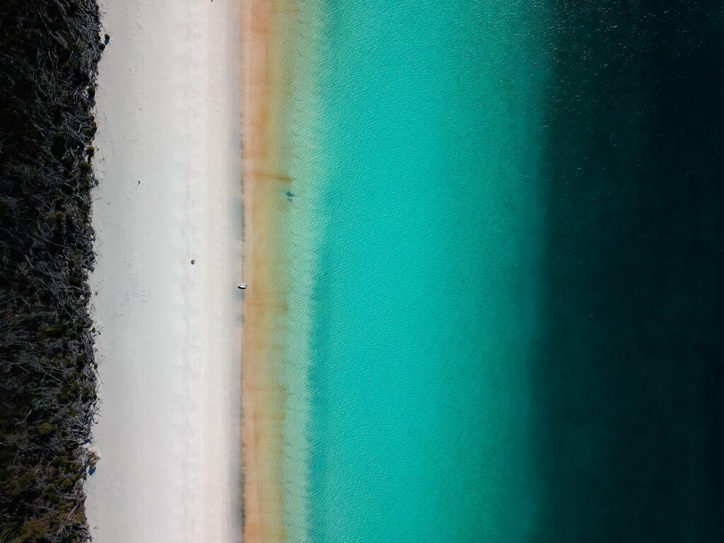 sailint to whitehaven beach whitsundays