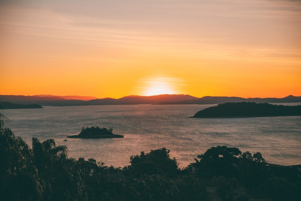 best sunset point on hamilton island