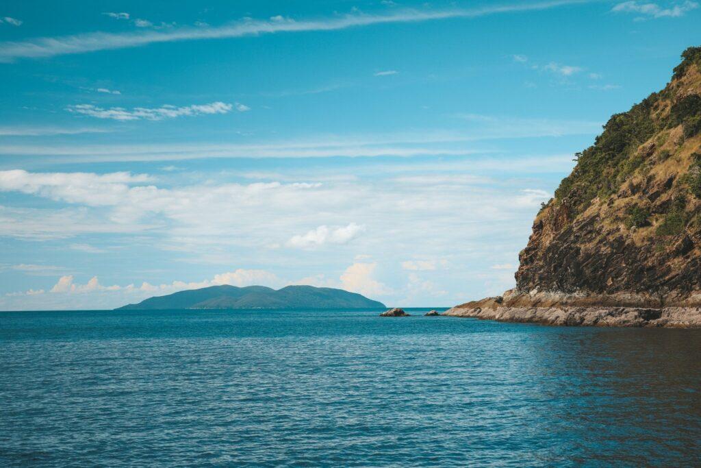 self sailing in keswick island