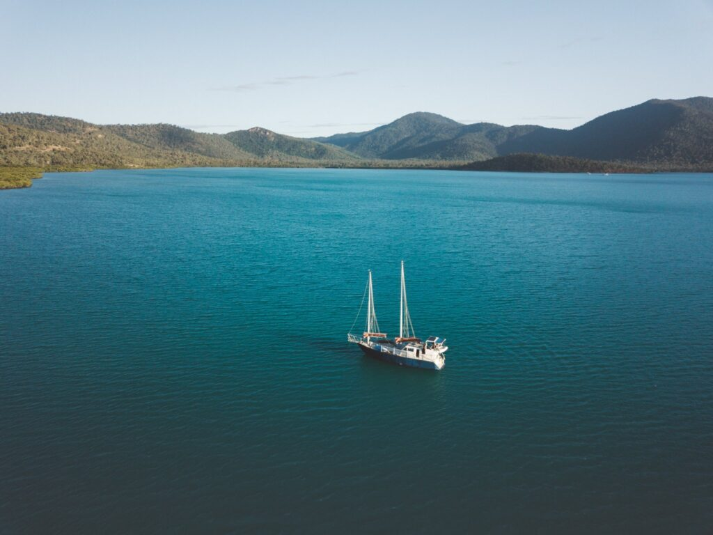 SAILING LOG WEEK 5 AIRLIE BEACH TO TOWNSVILLE DOUBLE BAY ANCHORAGE