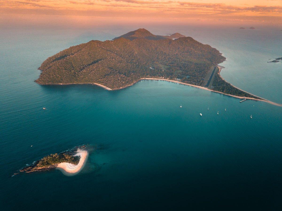 DUNK ISLAND AND MOUND ISLAND MISSION BEACH NEAR CAIRNS COAST