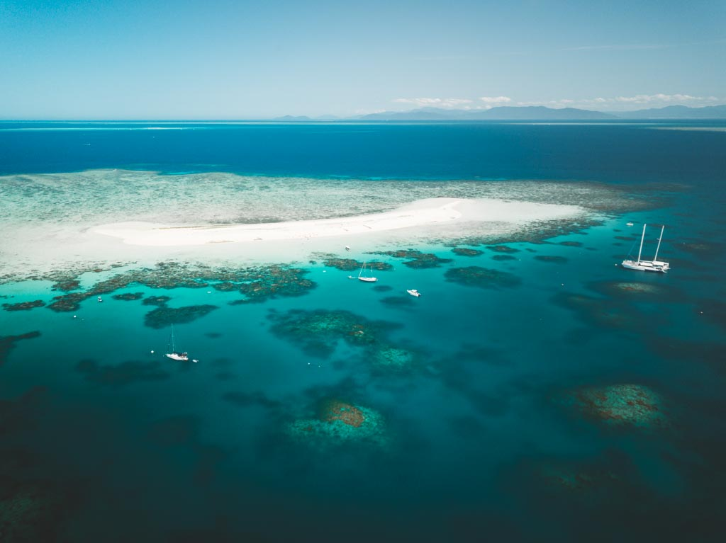 MICHAELMAS CAY GREAT BARRIER REEF, MICHAELMAS CAY OUTER REEF, AERIAL DRONE PHOTO, ISLANDS OFF CAIRNS