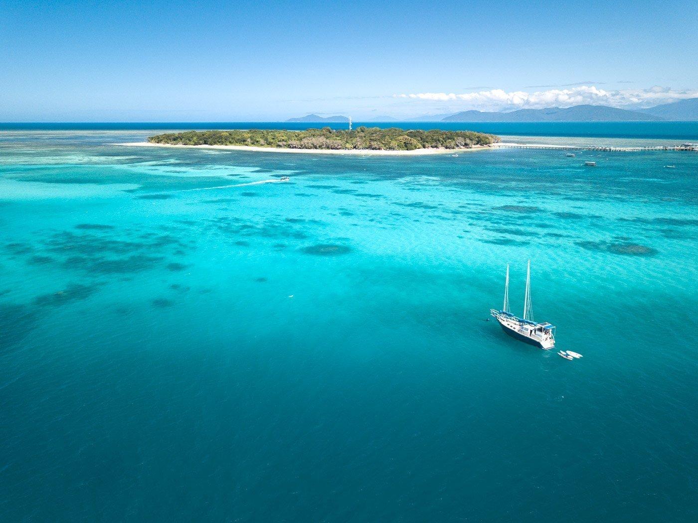 GREEN ISLAND SAILING BOAT