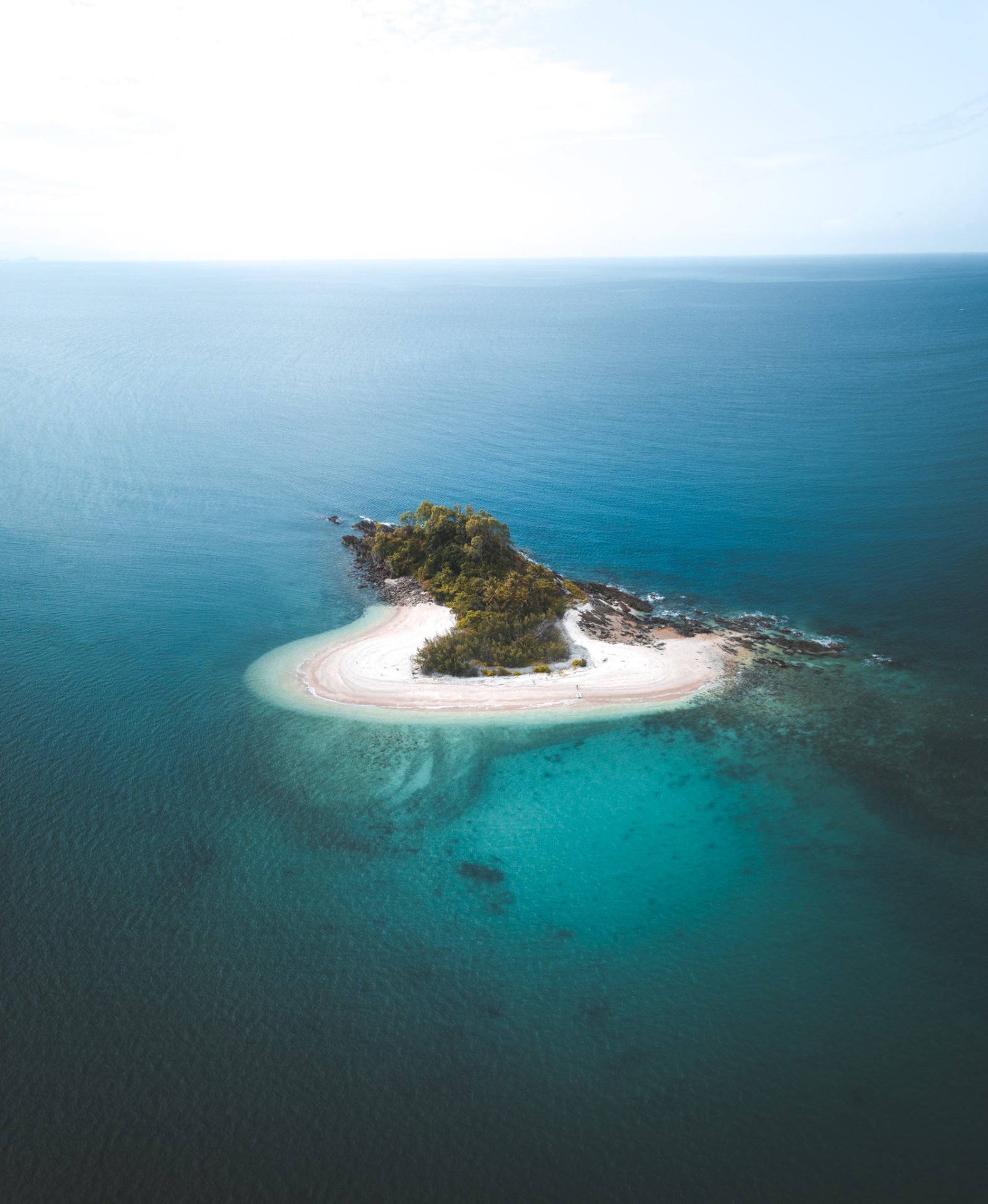 MOUND ISLAND QUEENSLAND AUSTRALIA, AERIAL BEST THINGS TO DO ON DUNK ISLAND, ISLANDS OFF CAIRNS