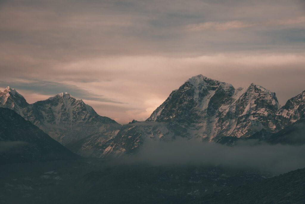 Sunrise trek to Kala Pathar