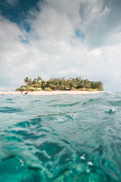 Low Isles, Low Islets underwater