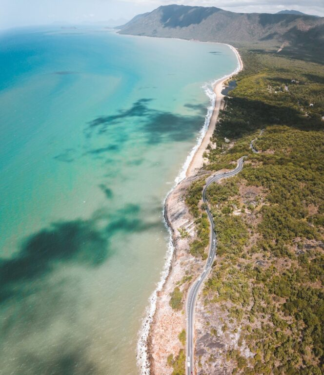 CAIRNS TO CAPE TRIBULATION, GREAT BARRIER REEF DRIVE