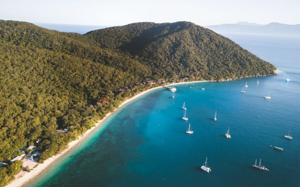 WHERE TO STAY IN CAIRNS, THINGS TO DO FITZROY ISLAND, ISLANDS OFF CAIRNS, DRONE