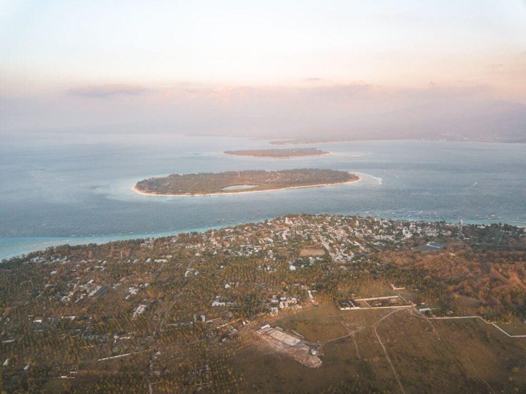 GILI- ISLANDS - GILI TRAWANGAN, AIR, MENO
