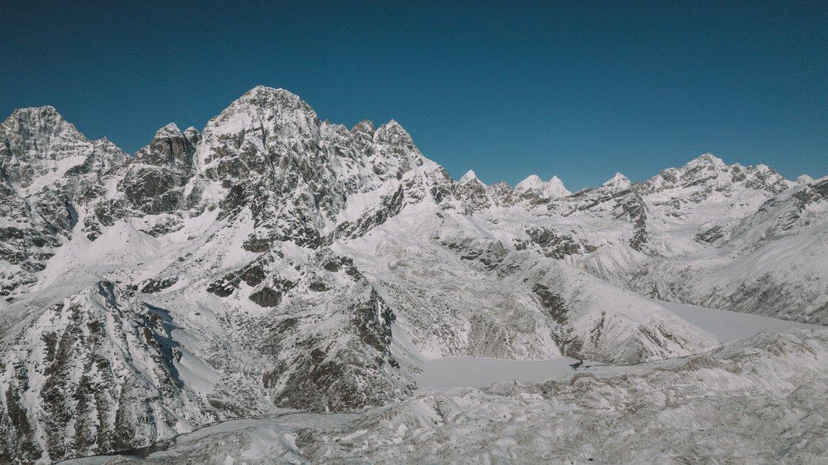 HIMALAYAN MOUNTAIN RANGES, THREE HIGH PASSES TREK, EVEREST AND GOKYO TREK