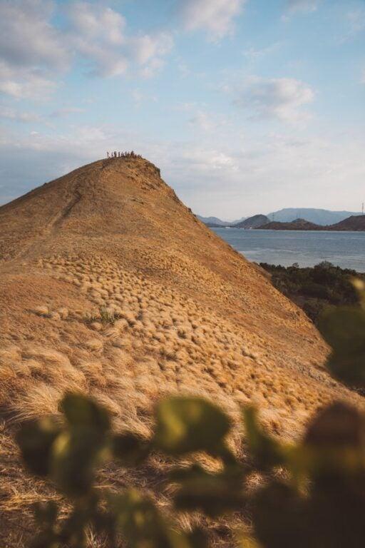 KENAWA ISLAND SUNSET LOMBOK BOAT TRIP TO FLORES