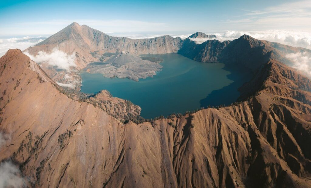 MOUNT RINJANI CRATER RIM AND ANAK LAKE
