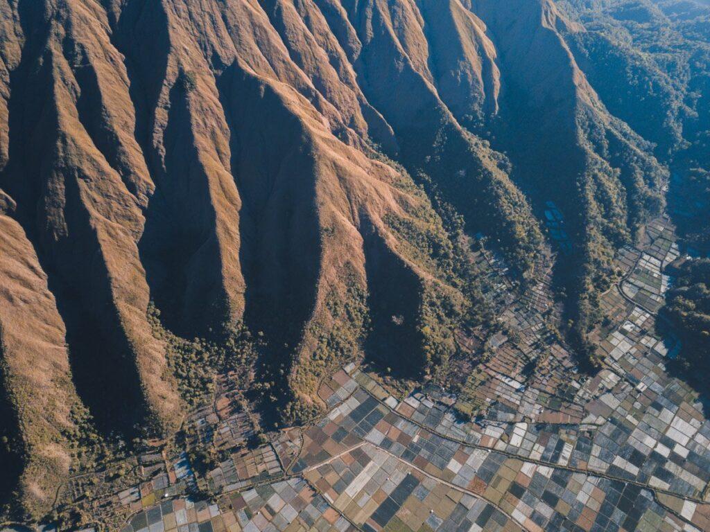 DRONE VIEW FROM PERGASINGAN HILL SENARU, LOMBOK HIKE