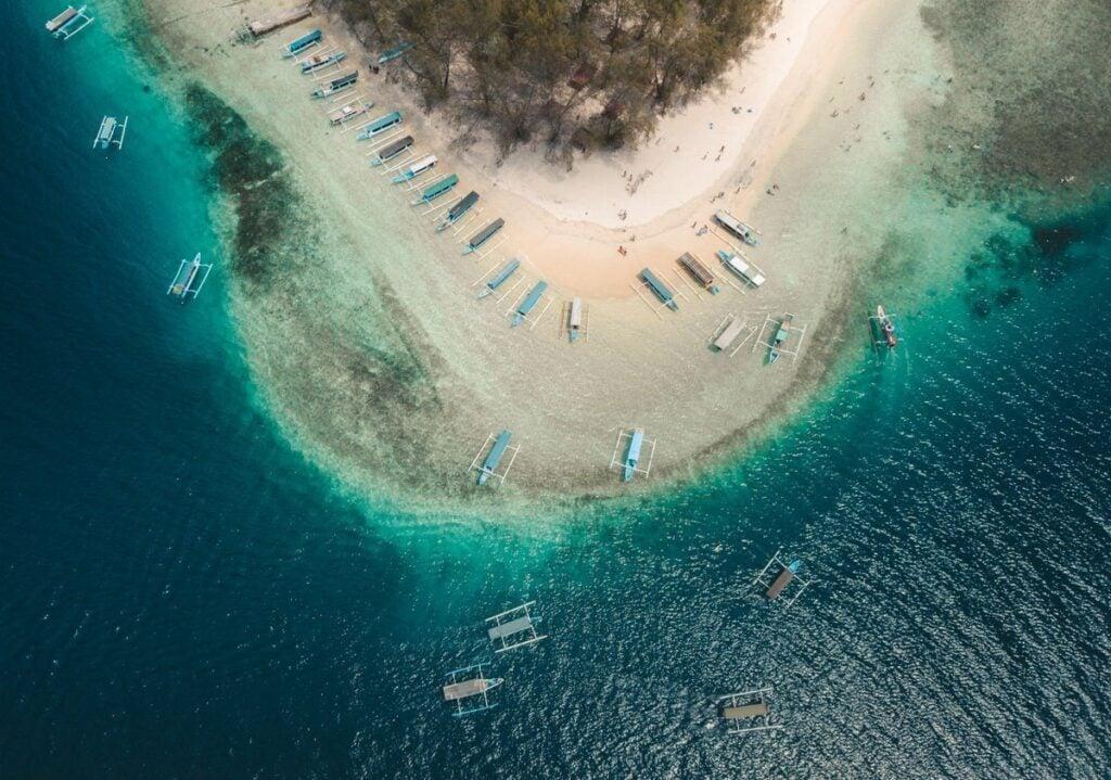GILI NANGGU ISLANDS, BEACHES IN SEKOTONG