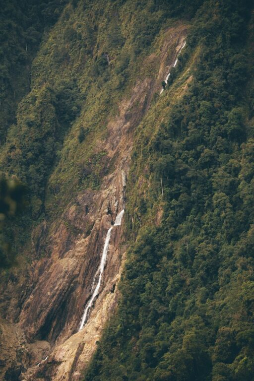 MOUNTAIN VIEW TRAIL KINABALU NATIONAL PARK WATERFALL VIEW