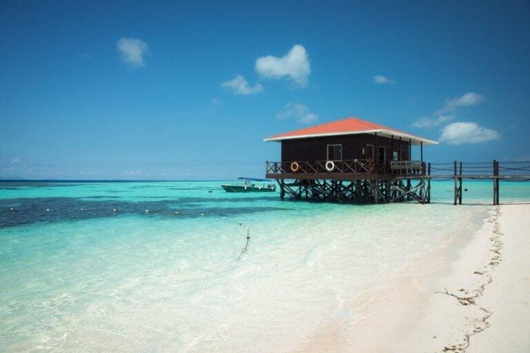 MANTABUAN ISLAND HOPPING
