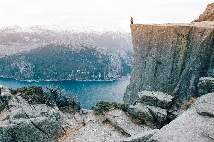 WE SEEK TRAVEL HIKING IN NORWAY