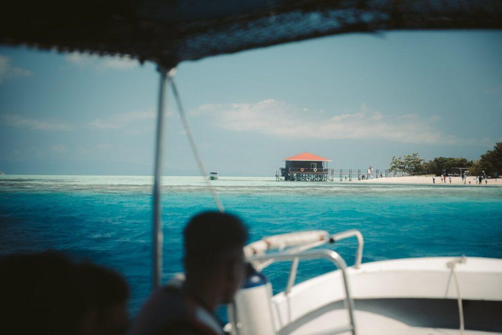 TUN SAKARAN ISLAND HOPPING TO MANTABUAN ISLAND