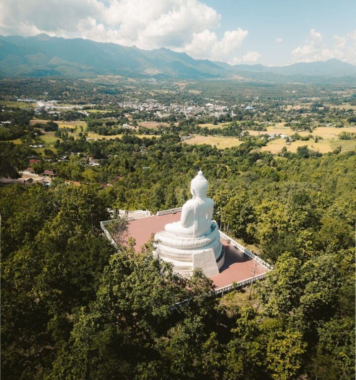 BIG WHITE BUDDHA ON THE HILL IN PAI