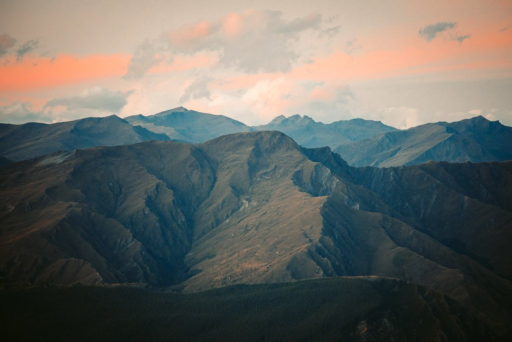 REMARKABLES SUNSET VIEWPOINT OVER THE RANGE