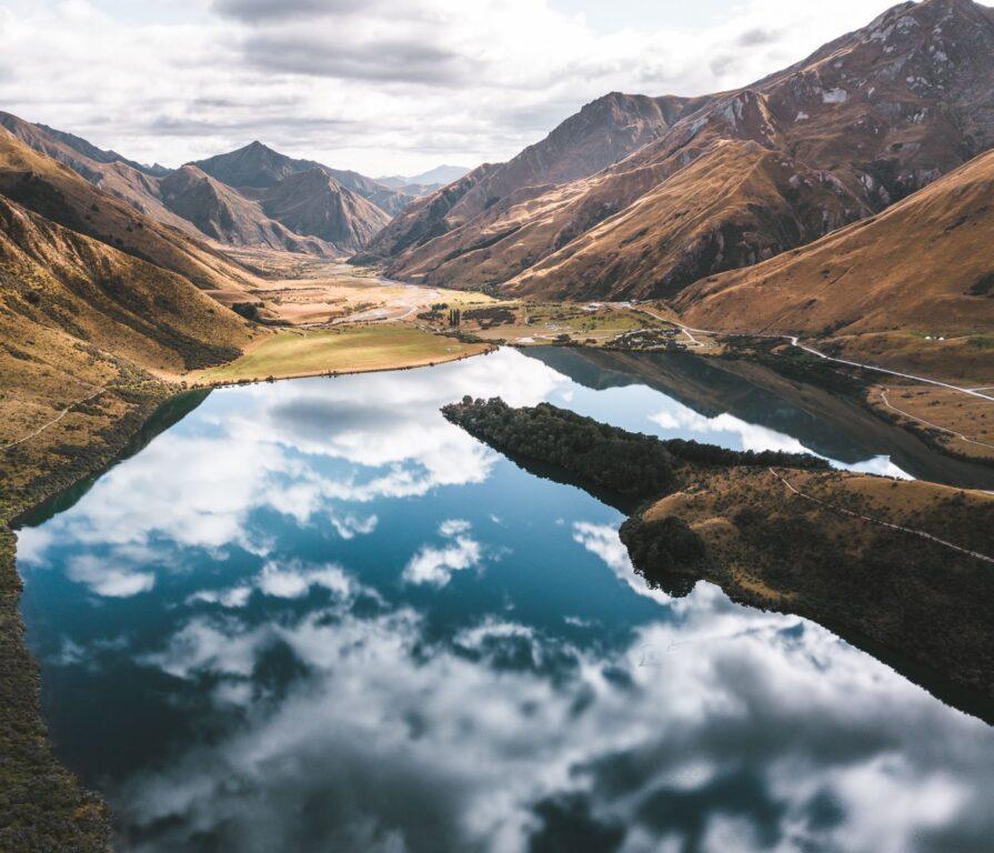 MOKE LAKE NEW ZEALAND