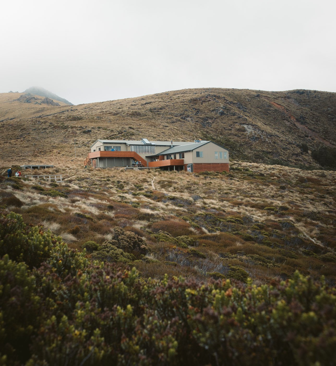 LUXMORE HUT ON THE KEPLER TRACK