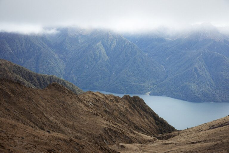 LAKE TE ANAU FRM THE KEPLER TRACK