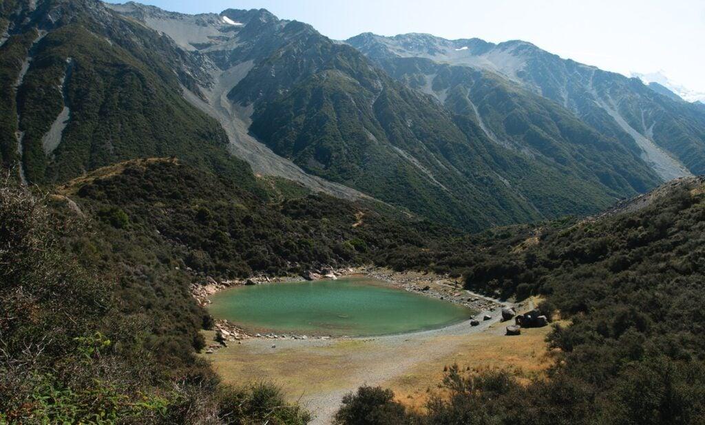 BLUE LAKES HIKE TASMAN GLACIER, BEST HIKES IN SOUTH ISLAND NEW ZEALAND