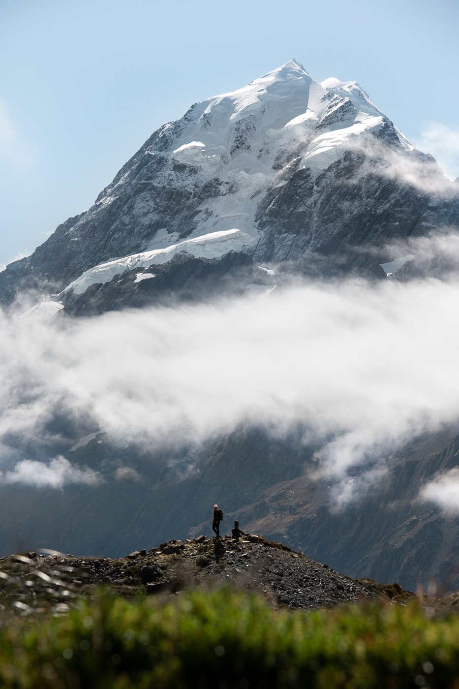 MOUNT COOK ON THE HOOKER VALLEY TRACK NEW ZEALAND