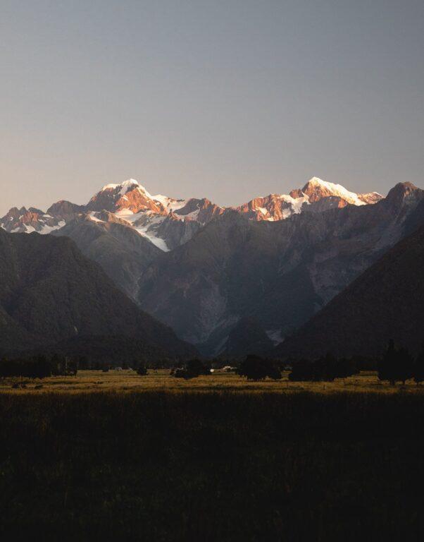 FOX GLACIER VILLAGE VIEW OF MOUNT COOK AORAKI