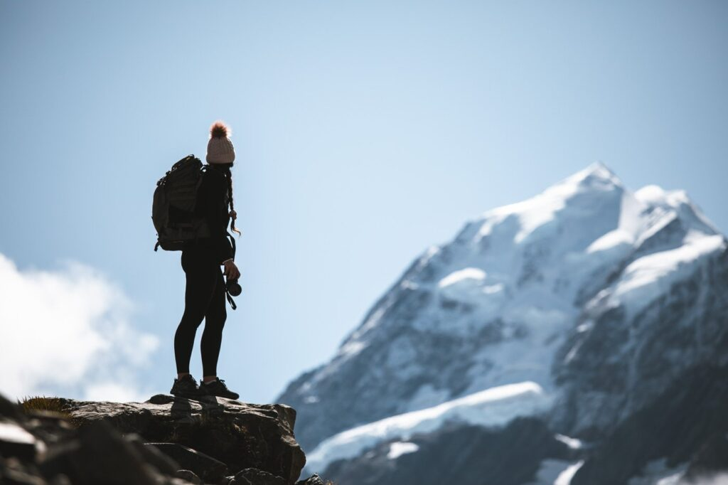 HIKING THE HOOKER VALLEY TRACK, VIEWS OF MOUNT COOK