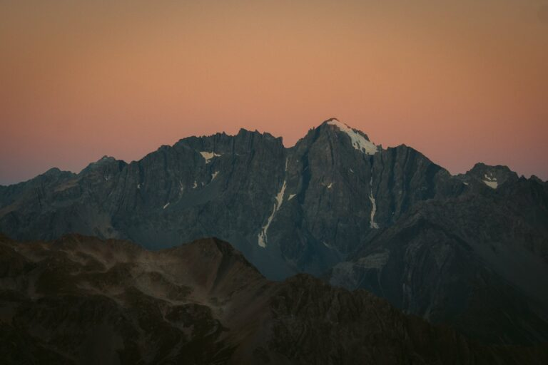 SUNSET ON THE MUELLER HUT ROUTE NEW ZEALAND