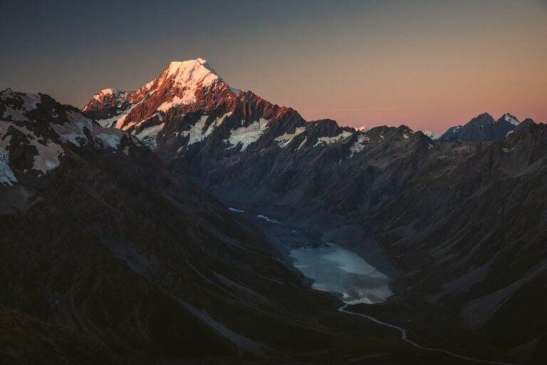 MOUNT COOK SUNSET VIEW AT MUELLER HUT