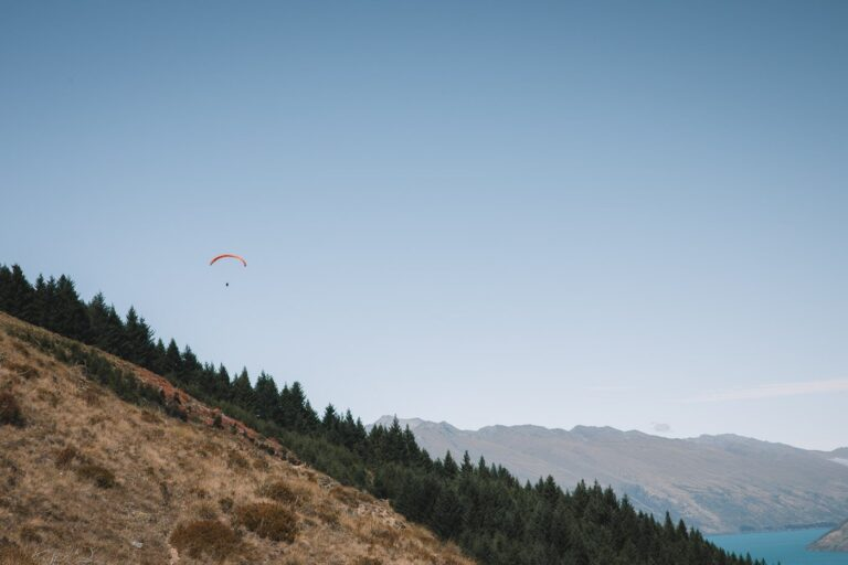 PARAGLIDING IN QUEENSTOWN, BEST THINGS TO DO