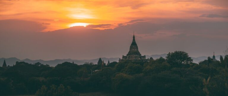 BAGAN SUNRISE STUPA