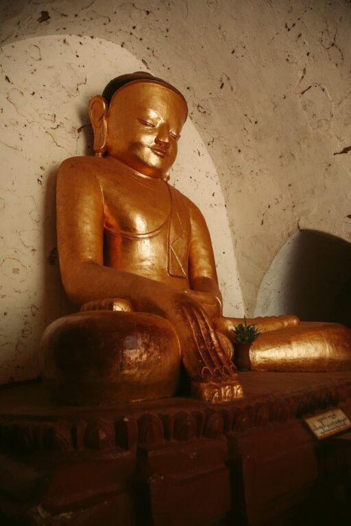 BAGAN GOLDEN BUDDHA