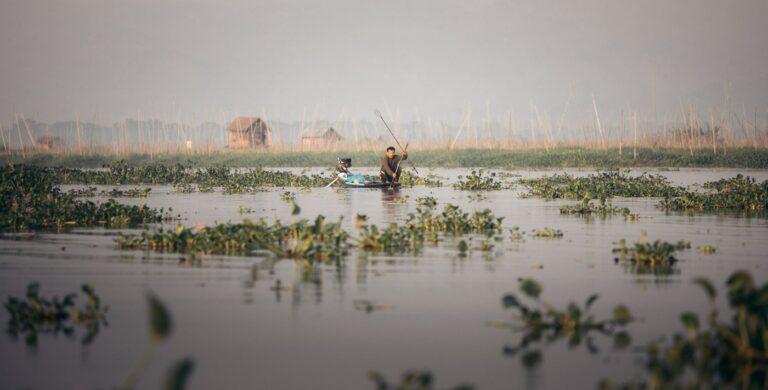 INLE LAKE BOAT TOUR IN MYANMAR