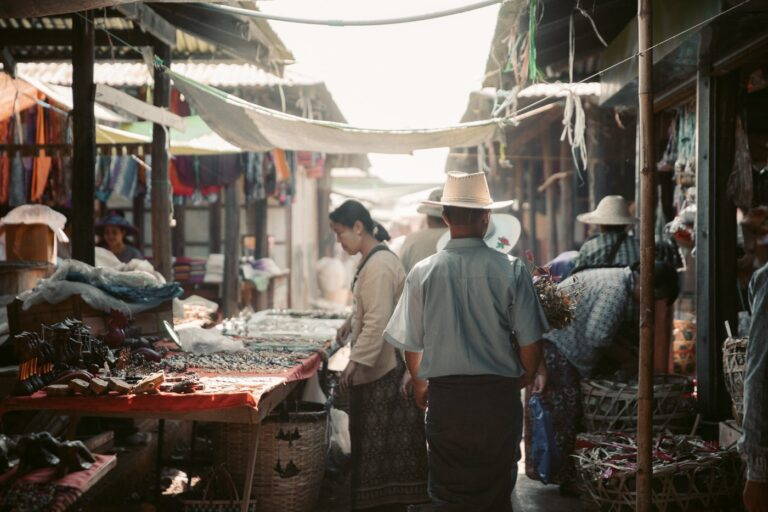 INLE LAKE MARKETS