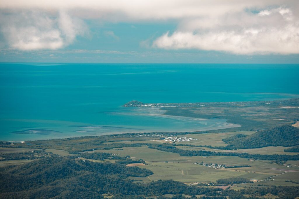 PORT DOUGLAS VIEW FROM DEVILS THUMB