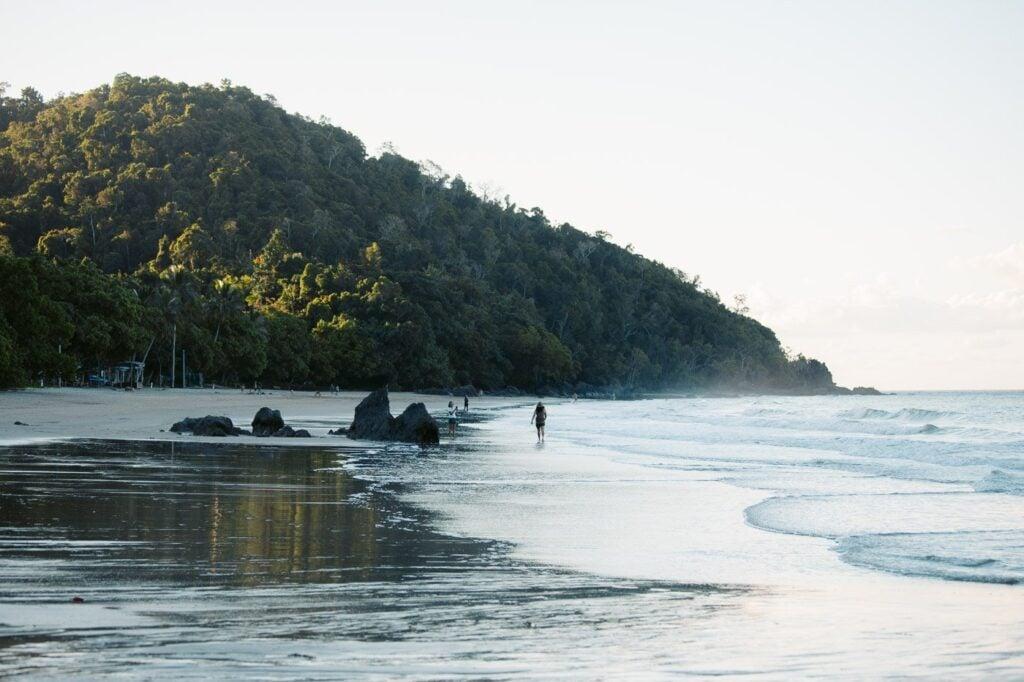 ETTY BAY BEACH QUEENSLAND