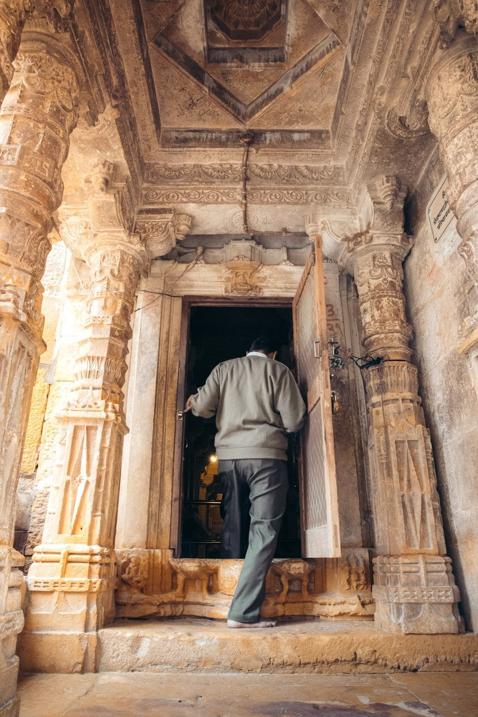 JAIN TEMPLE WITHIN THE JAISALMER FORT IN RAJASTHAN, INDIA