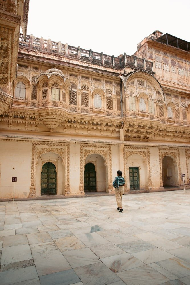 THE BEAUTIFUL PALACES OF THE MEHRANGARH FORT IN INDIA