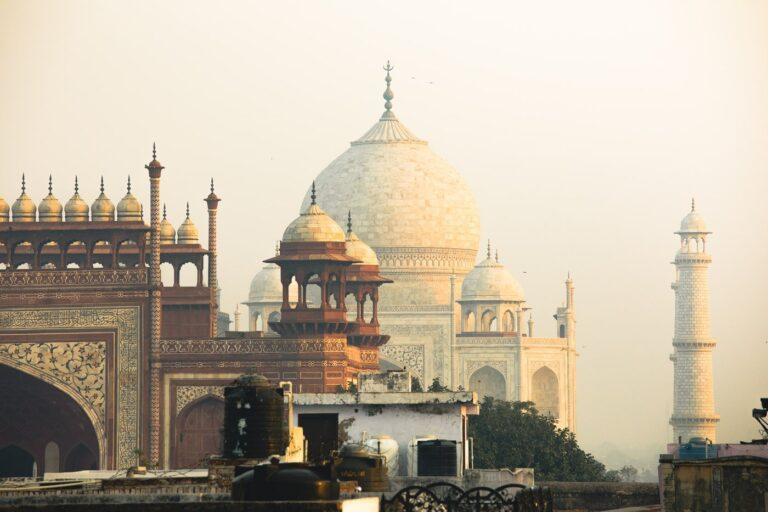 THE TAJ MAHAL FROM RESTAURANT ROOFTOP IN AGRA INDIA