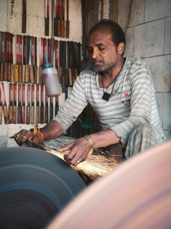 THIEVES MARKET IN MUMBAI, CHOR BAZAAR